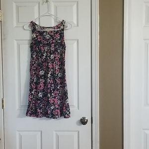 Decree size Medium very cute spring /summer dress